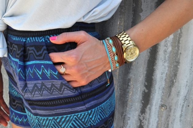 5-tribal-vibes-blue-cozy-tshirt-vandi-fair-fashion-texas-blog-lauren-vandiver-blogger-style